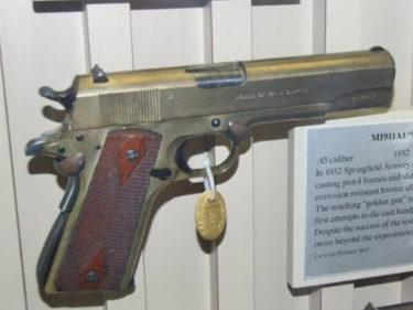 ブロンズ製 M1911