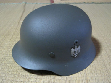 ドイツ国防軍 M35タイプ・プラ製ヘルメット (サムズミリタリ屋製・モデル品)